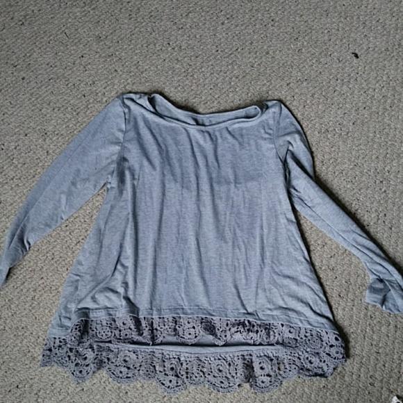 Tops - Light gray long sleeve